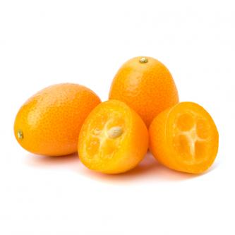 """<p class=""""nom"""">Le kumquat</p><p class=""""description"""">Pourquoi on l'aime? Pour son petit goût sucré, acidulé et sa petite taille qui fait qu'on le mange en une bouchée.</p>"""